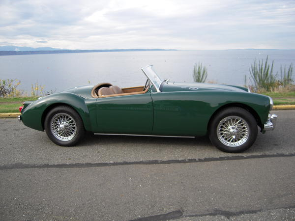 British racing green for mga charles gold edmonds usa the green is ici 7595 which i have so far not been able to source as a currently available color the color is gorgeous and sciox Choice Image